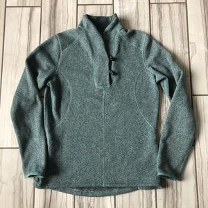 The North Face sweater. EUC like new